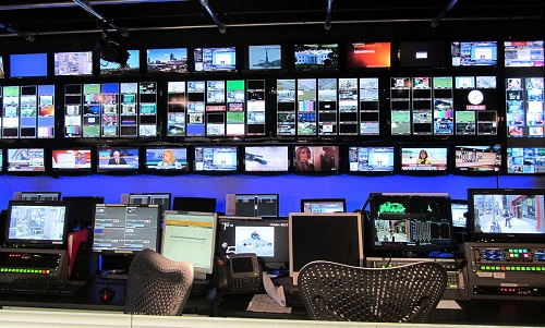 tv control room small