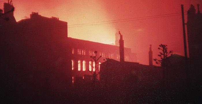 london_burning_during_blitz-P